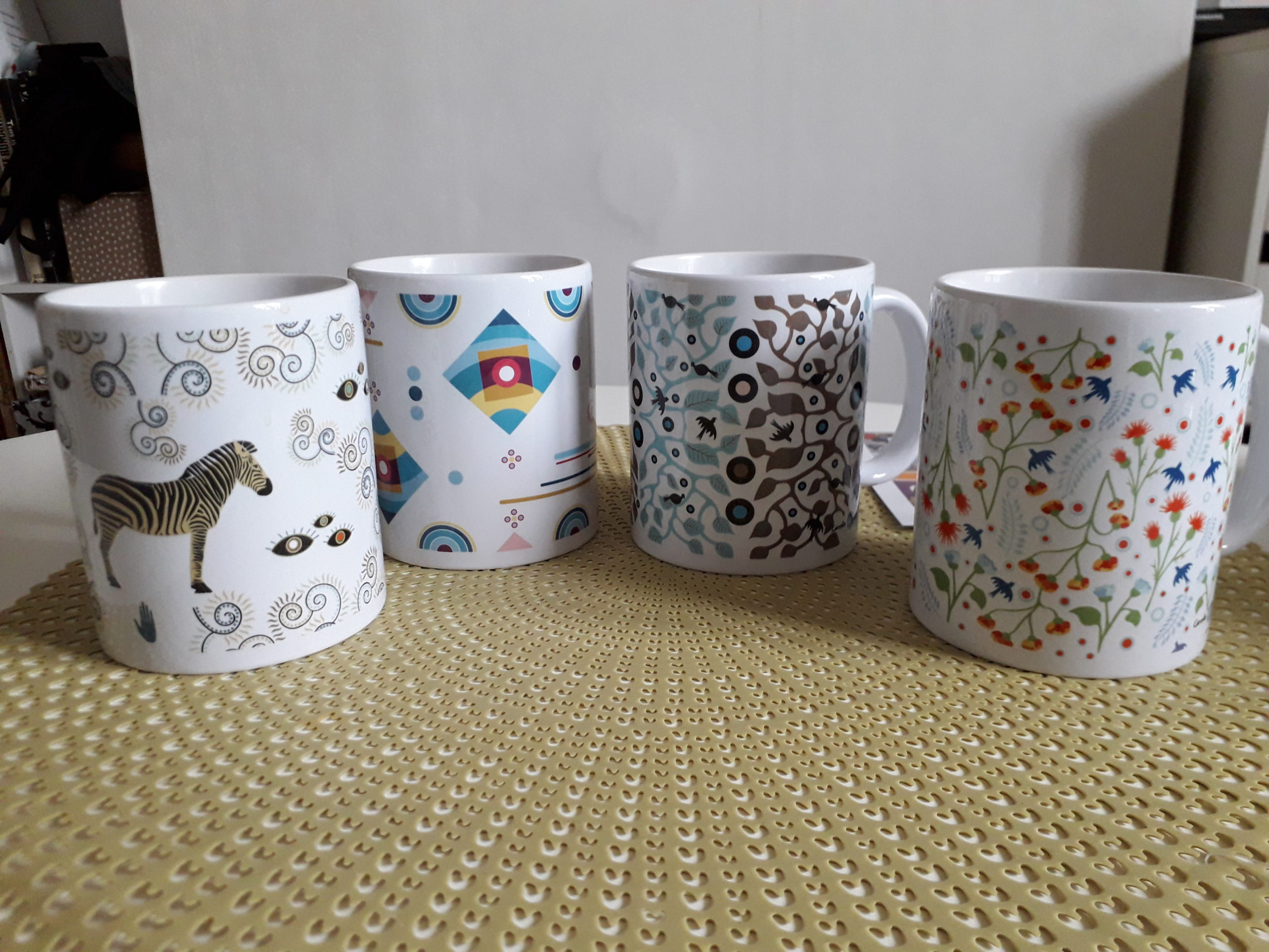 4 mugs caroleartco